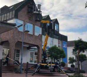 Anhaengerbuehne Vermietung Comet Officine Niftylift 120T Ommelift Dino lift Trailermount